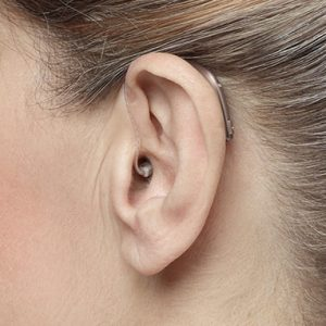 Apparecchio Acustico Retroauricolare con ricevitore all'orecchio